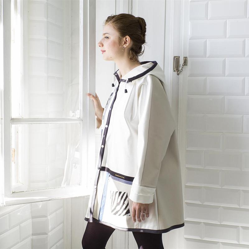 Coupe-vent Noir sur blanc - Vêtements Joyeux © Frédéric Lecloux